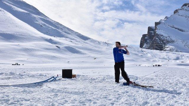 Hornussen tournament on snow